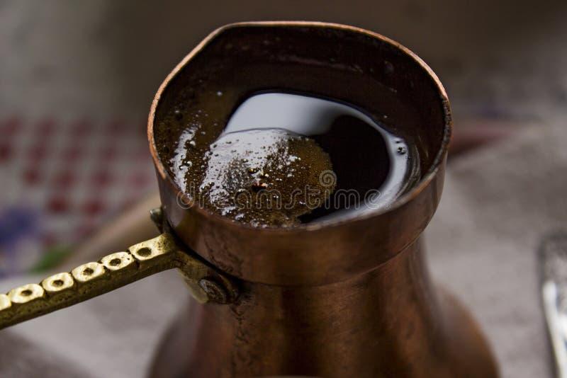 Traditioneller Kaffee in Bosnien stockfotos