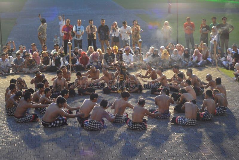 Traditioneller Tanz des Balinese nannte Kecak-Tanz lizenzfreie stockfotografie