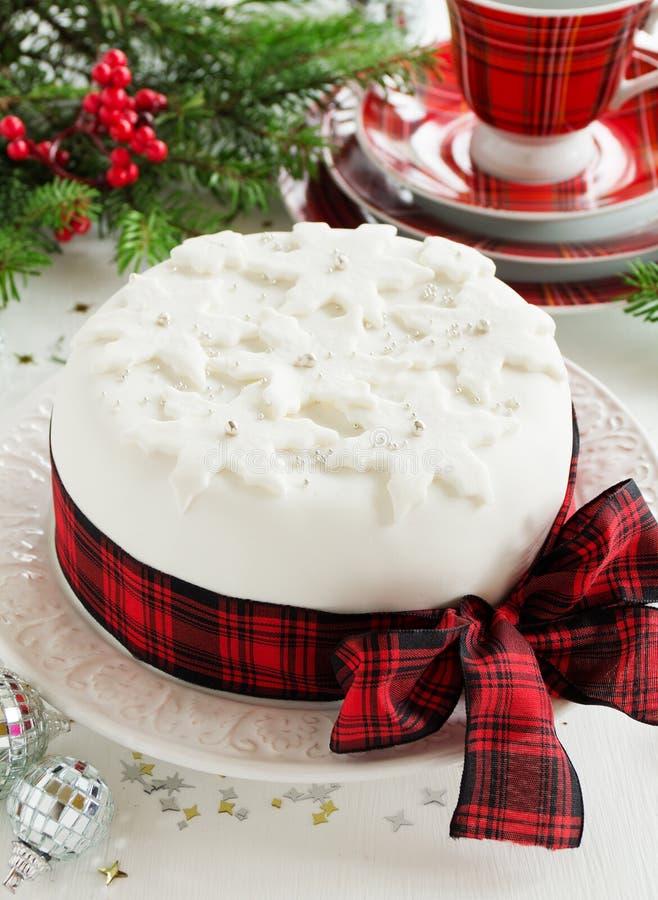 Traditioneller Weihnachtsfruchtkuchen stockfotografie