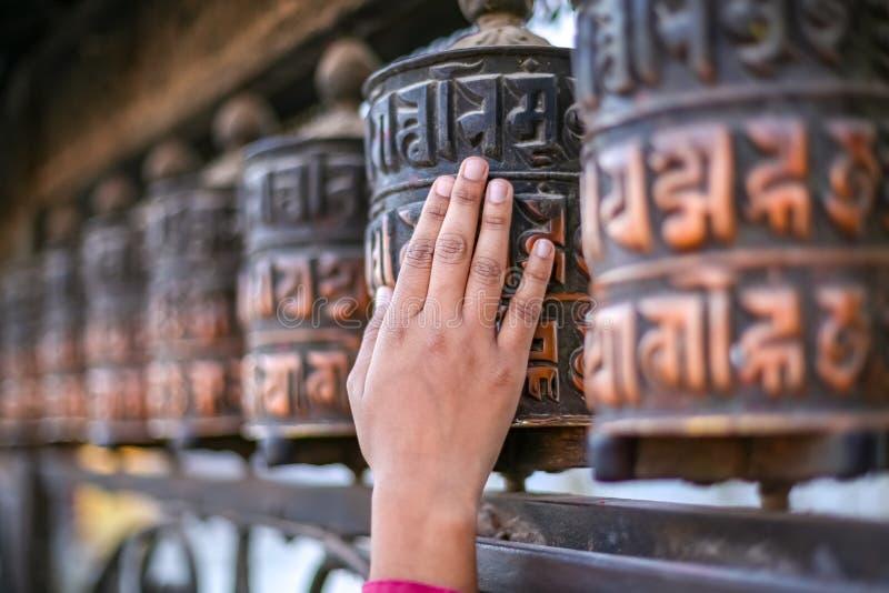 Traditionelles Buddhismusbeschwörungsformelrad lizenzfreies stockbild
