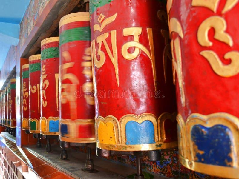 Traditionelles Buddhismusbeschwörungsformelrad stockbilder