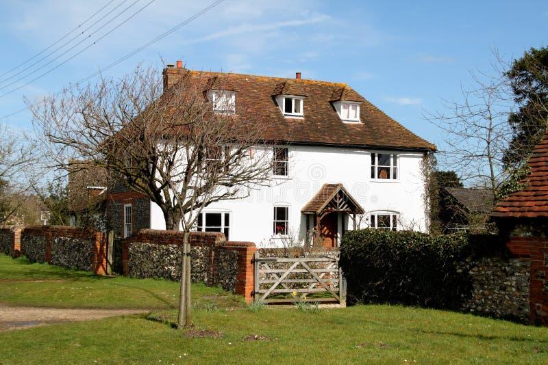 Traditionelles englisches Dorf-Haus stockfotos