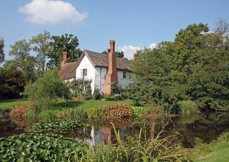 Traditionelles englisches Landhaus stockbild