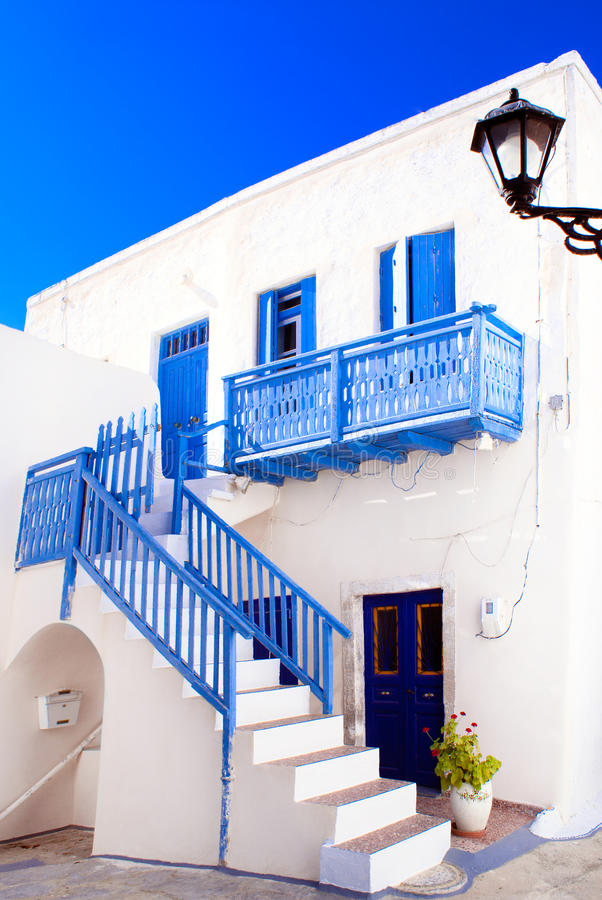 Traditionelles griechisches haus auf sifnos insel for Traditionelles thai haus