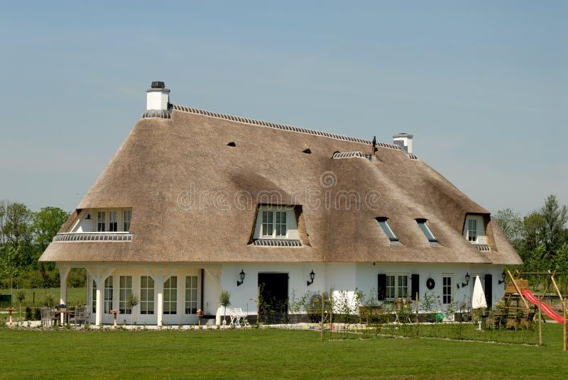 Traditionelles Häuschen in den Niederlanden stockfotos