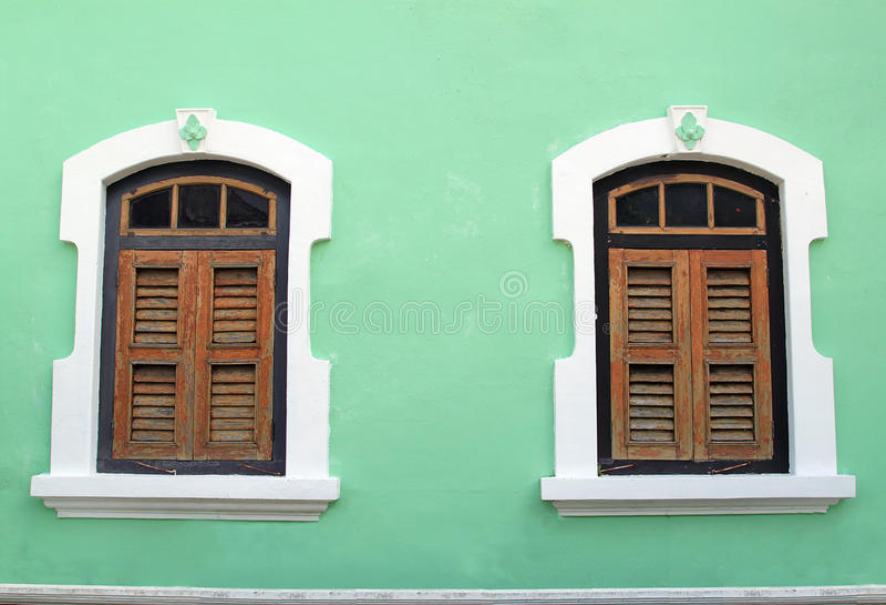 Traditionelles hölzernes Fenster in Penang, Malaysia lizenzfreies stockfoto