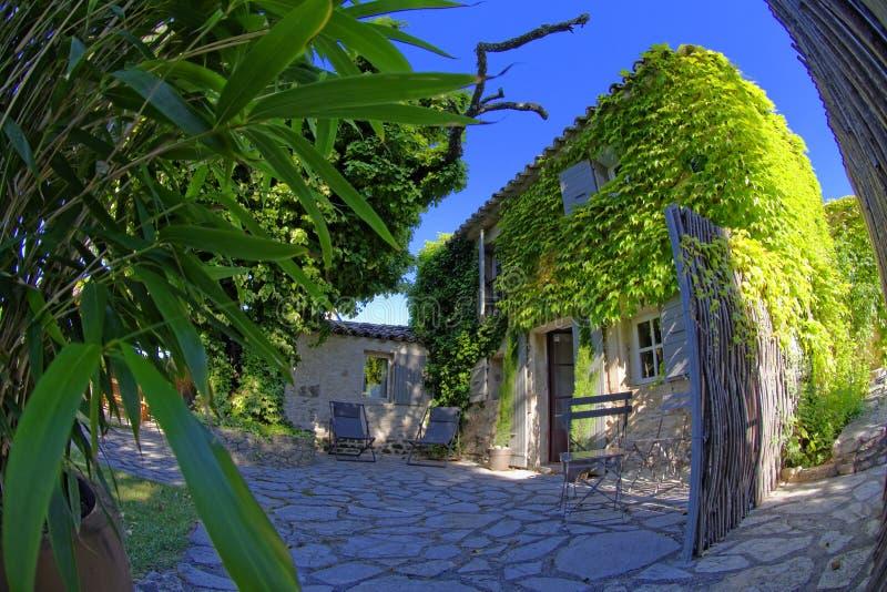 Traditionelles Haus in Provence lizenzfreie stockfotografie