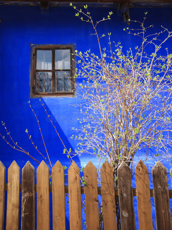Traditionelles Haus in Rumänien stockfotografie