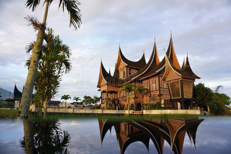 Traditionelles Haus von West-Sumatera Indonesien lizenzfreie stockfotos