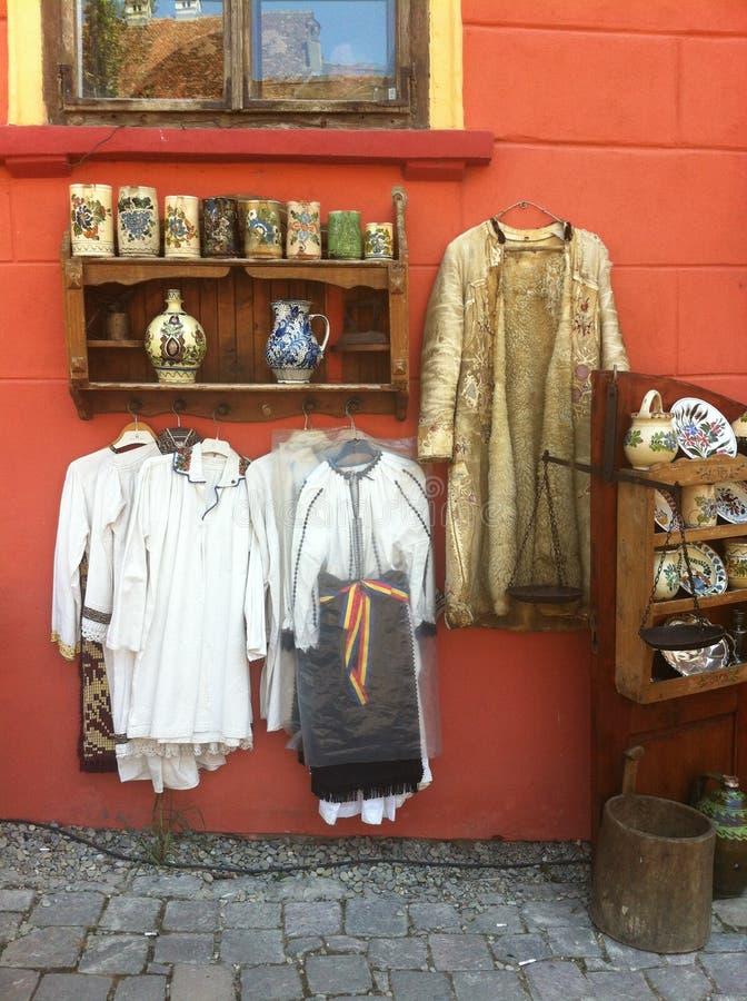 Traditionelles Kostüm von Siebenbürgen stockbild