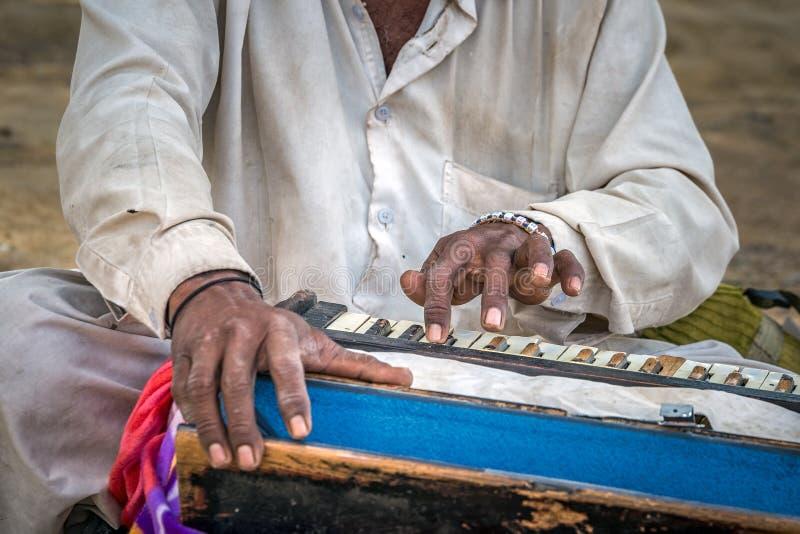 Traditionelles musikalisches Harmonium stockbilder