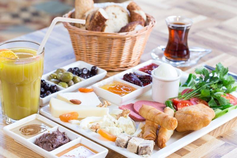 Traditionelles türkisches Frühstück lizenzfreie stockfotos