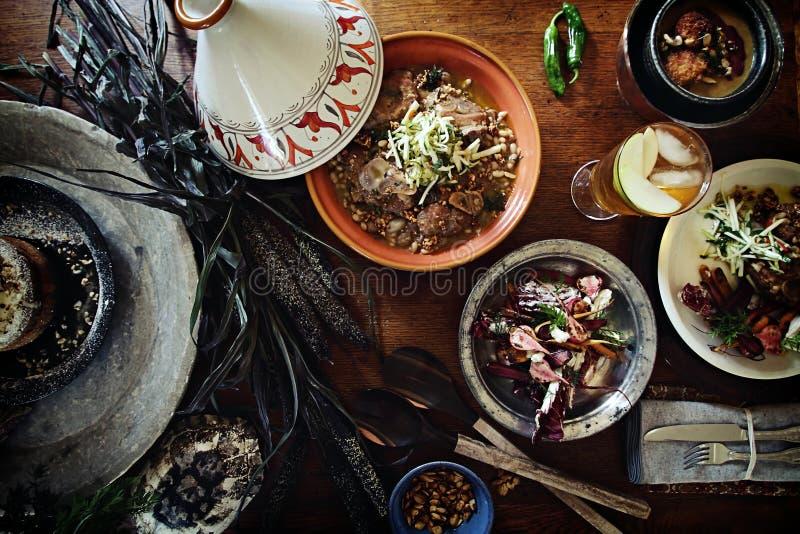 Traditionelles tagine Abendessen stockfoto