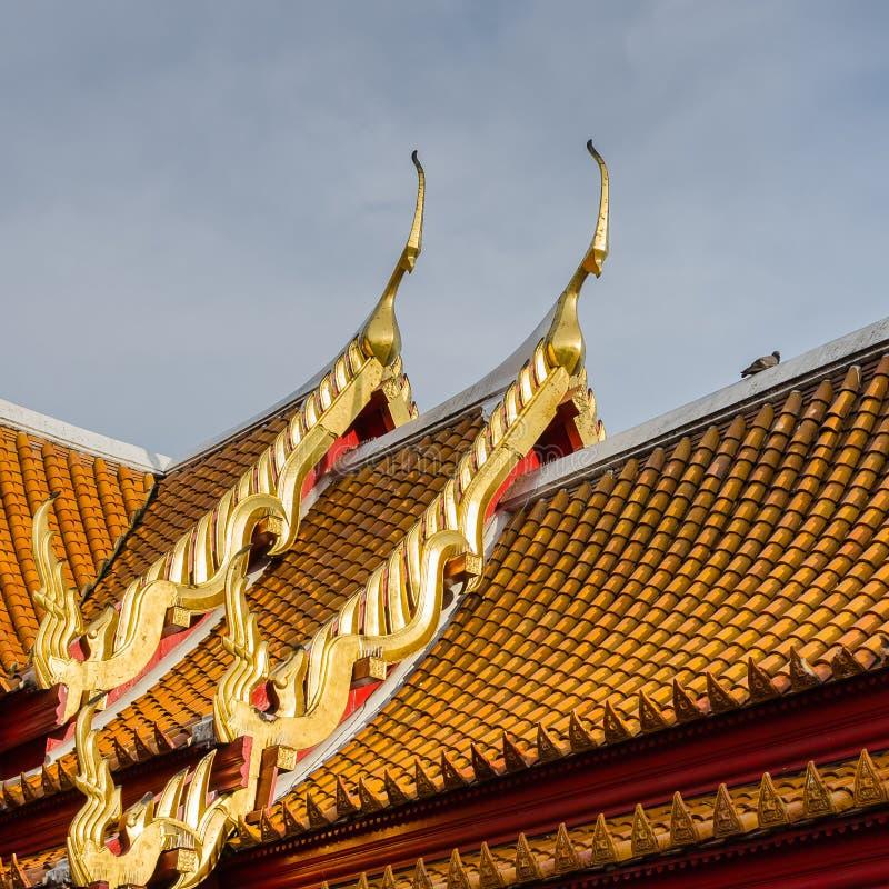 Traditionelles thailändisches Artdach lizenzfreie stockfotos