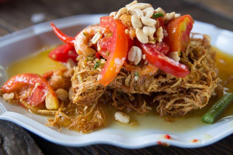 Traditionelles thailändisches Lebensmittel des thailändischen Papayasalats stockfotos
