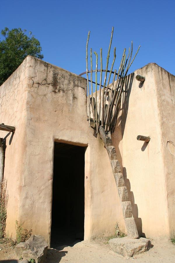 traditionellt afrikanskt hus arkivbild
