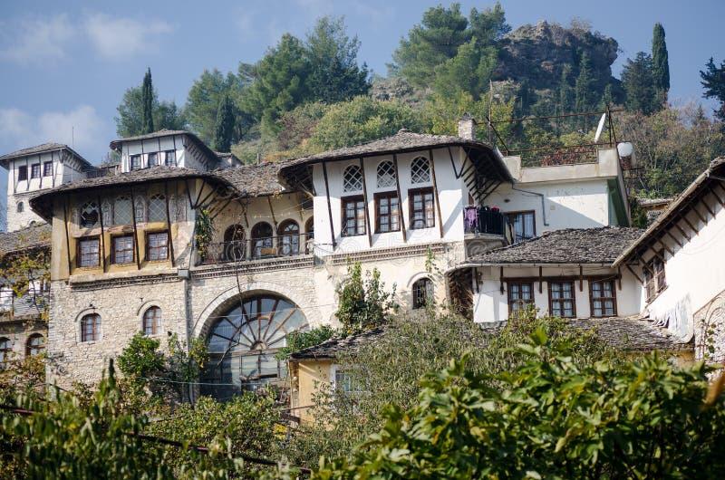 Traditionellt albanian hus arkivfoton