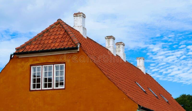 Traditionellt danskt hus royaltyfria bilder