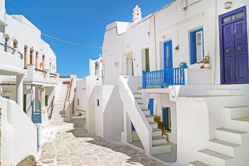 Traditionellt grekiskt hus på den Sifnos ön arkivfoto