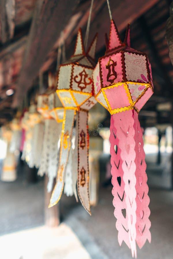 Traditionellt handgjort f?r Lanna lampa fotografering för bildbyråer