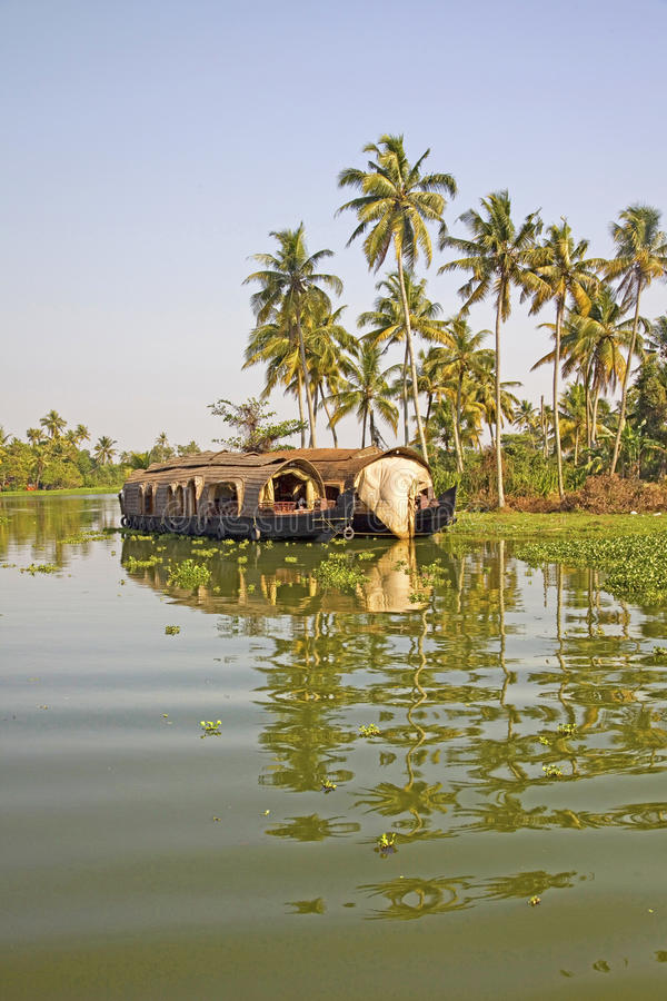 Traditionellt husfartyg, Alleppey, Kerala, Indien arkivfoto