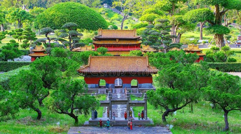 Traditionellt kinesiskt arkitekturminiatyrlandskap arkivfoton