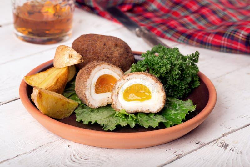 Traditionellt kväva ägg royaltyfria bilder