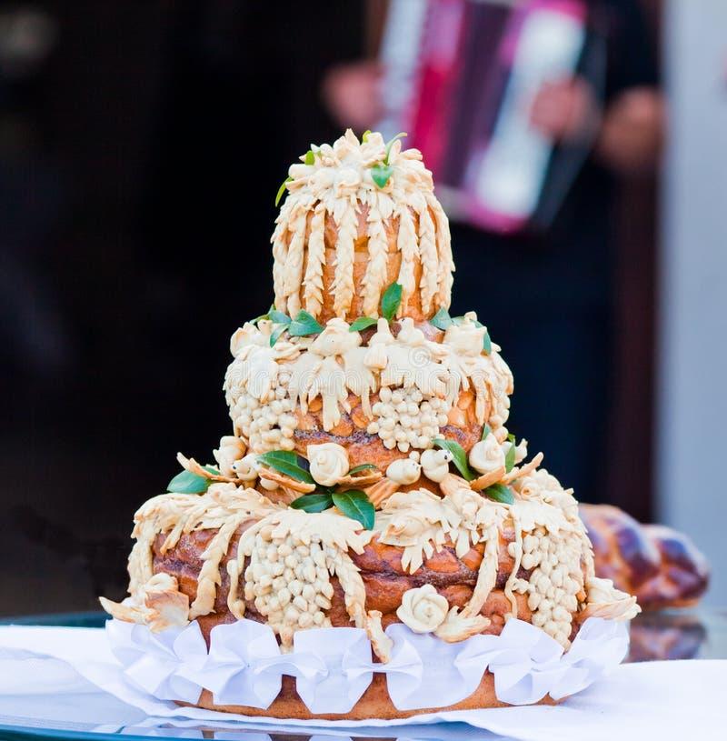 traditionellt ukrainskt bröllop för bröd royaltyfria bilder
