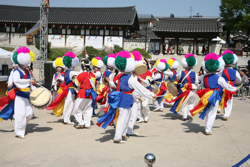 Traditionnel coréen de danseur photographie stock