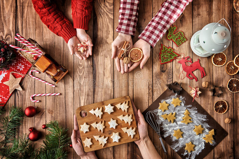 Traditions de famille de Noël image stock