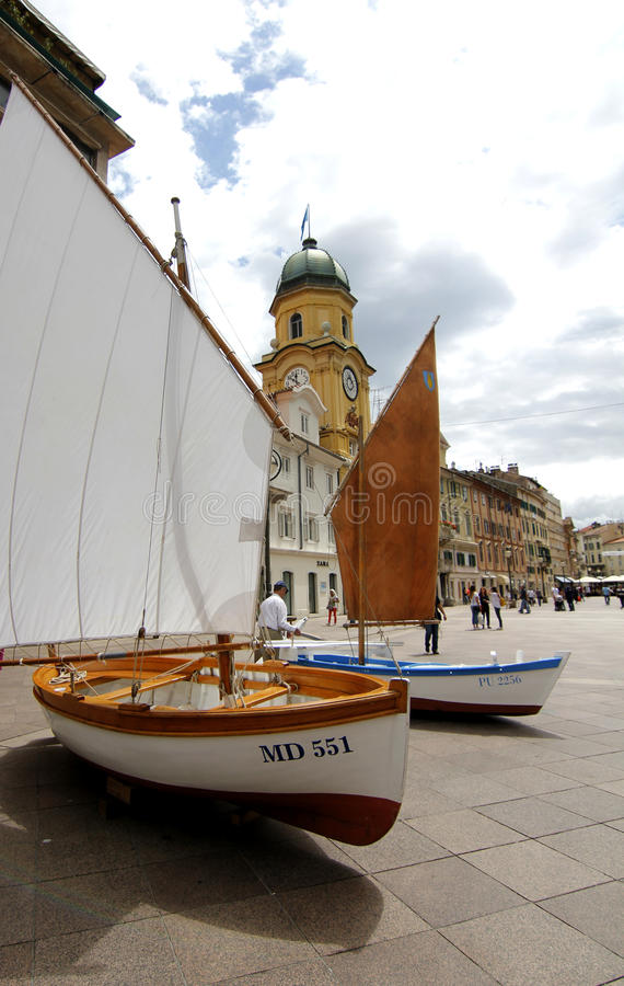 Traditionsboote lizenzfreie stockbilder