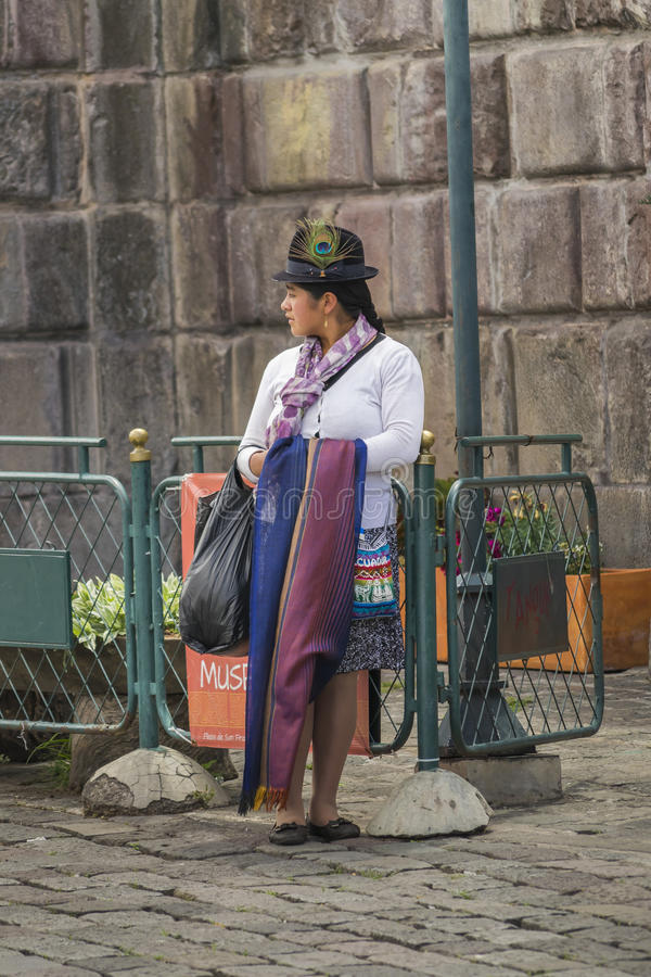 Traditonal équatorien a costumé la femme photos libres de droits
