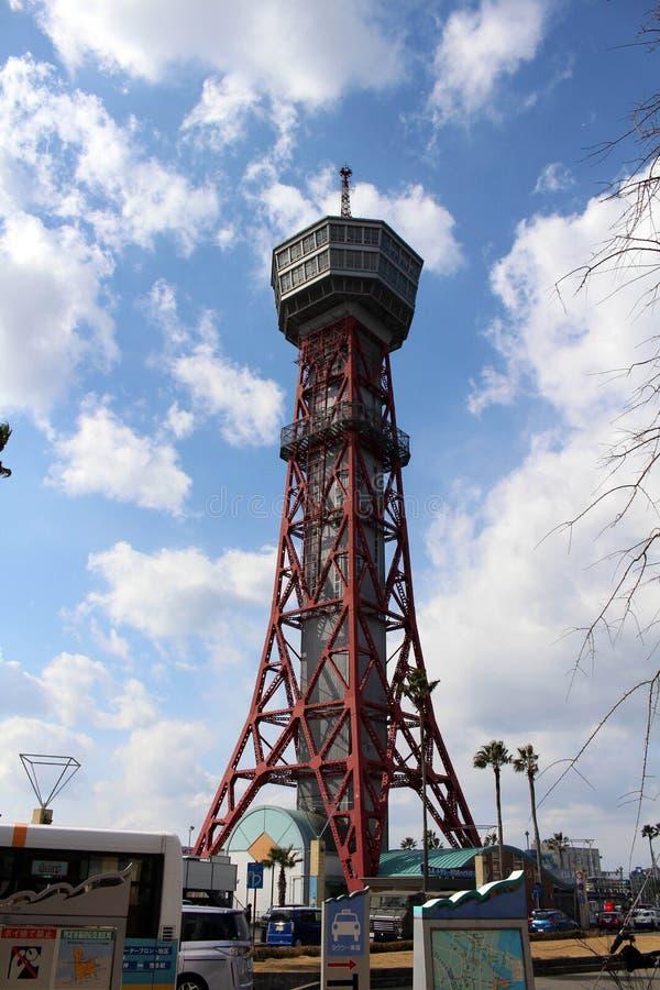Tradução: Torre do porto de Hakata, em torno do porto de Fukuoka imagens de stock royalty free