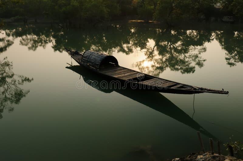 Tradycyjna łódź rybacka w India zdjęcie royalty free