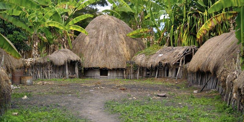 Tradycyjna buda dani ludzie w tradycyjnej wiosce fotografia royalty free