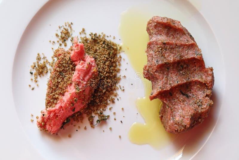 Tradycyjna Libańska kuchnia: Surowy mięso Kibbeh zdjęcie stock
