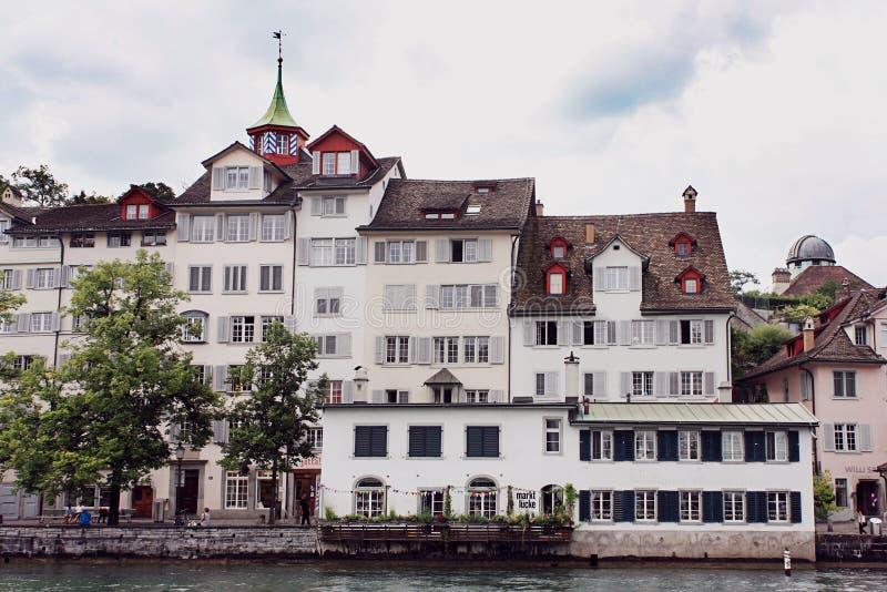 Tradycyjna mieszkaniowa architektura w Zurich zdjęcie stock