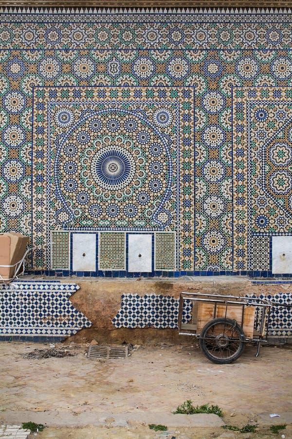 Tradycyjna mozaika na ścianie w Meknes, Maroko zdjęcia royalty free