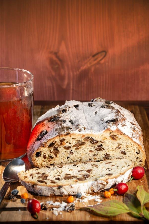 Tradycyjna Niemiecka jesień i boże narodzenia zasychamy, jagody i herbata jak zdjęcie royalty free