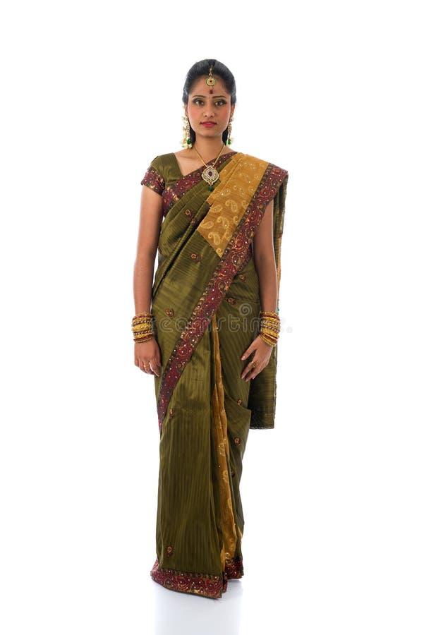 Tradycyjna południowa indyjska tamil kobieta z odosobnionym białym backgro obrazy stock