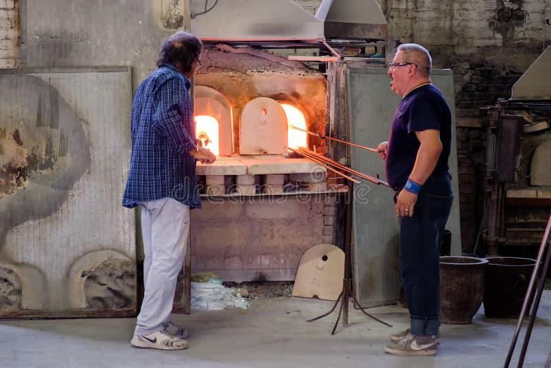 Tradycyjna szklana fabryka na wyspie Murano blisko Wenecja fotografia royalty free