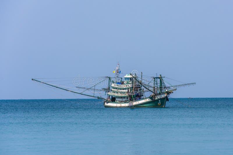 Tradycyjna tajlandzka łódź rybacka, Koh Kood wyspa, Tajlandia obrazy stock