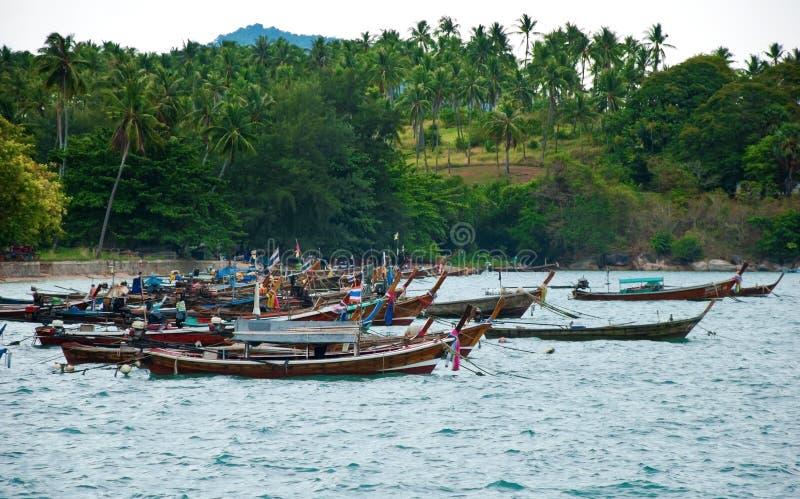 Tradycyjna Tajlandzka Longtail rybaka łódź na plaży fotografia stock