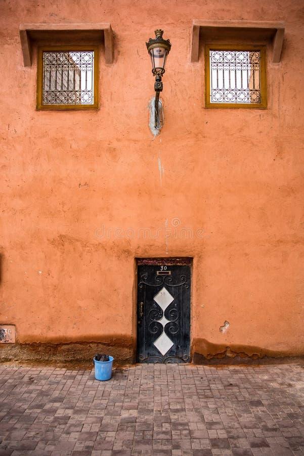 Tradycyjne czerwone ściany Medina w Maroko obraz royalty free