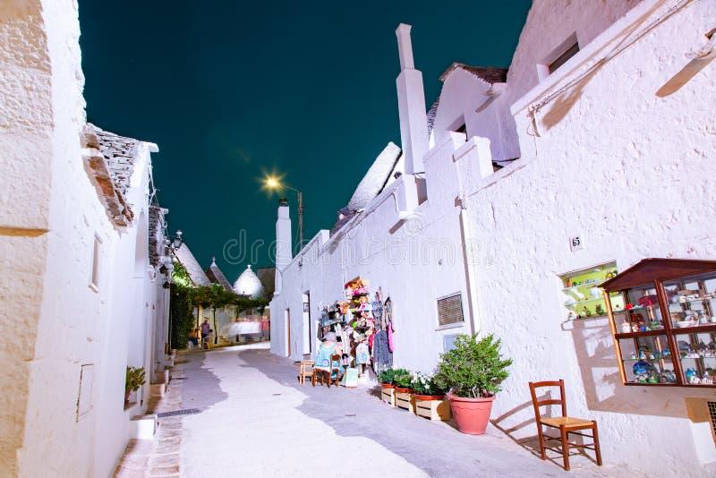 tradycyjne domy w Alberobello zdjęcia royalty free