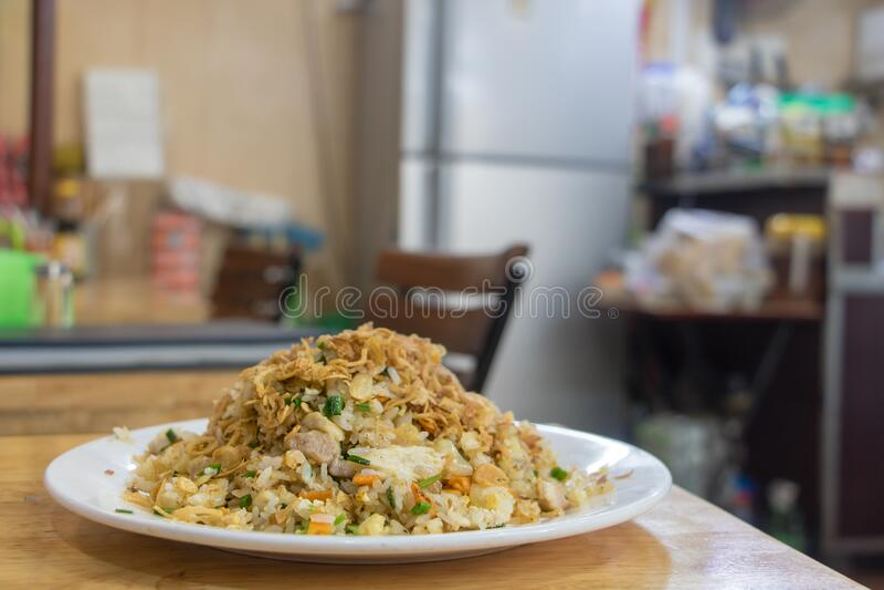 Tradycyjne jedzenie z ryżem na stole w wietnamskiej restauracji obraz royalty free