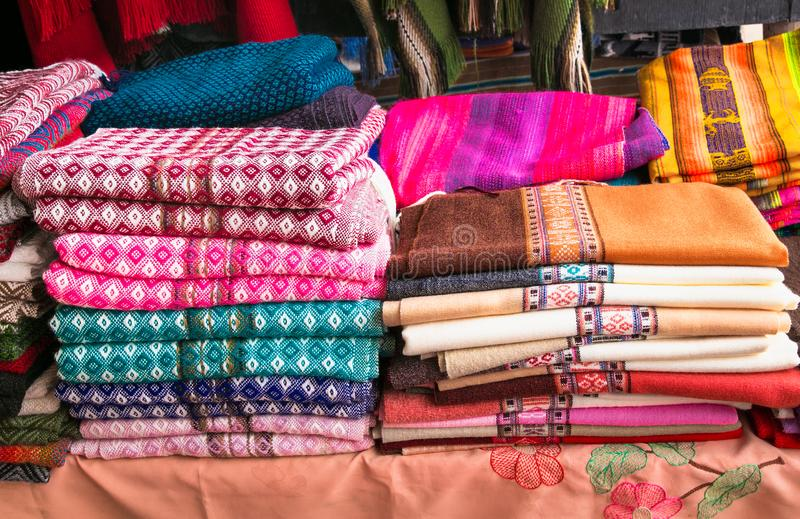 Tradycyjne rękodzieła na rynku w Uyuni, Boliwia zdjęcie stock
