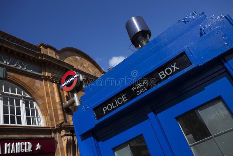 Tradycyjnego Brytyjskiego społeczeństwa wezwania milicyjny pudełko obrazy royalty free