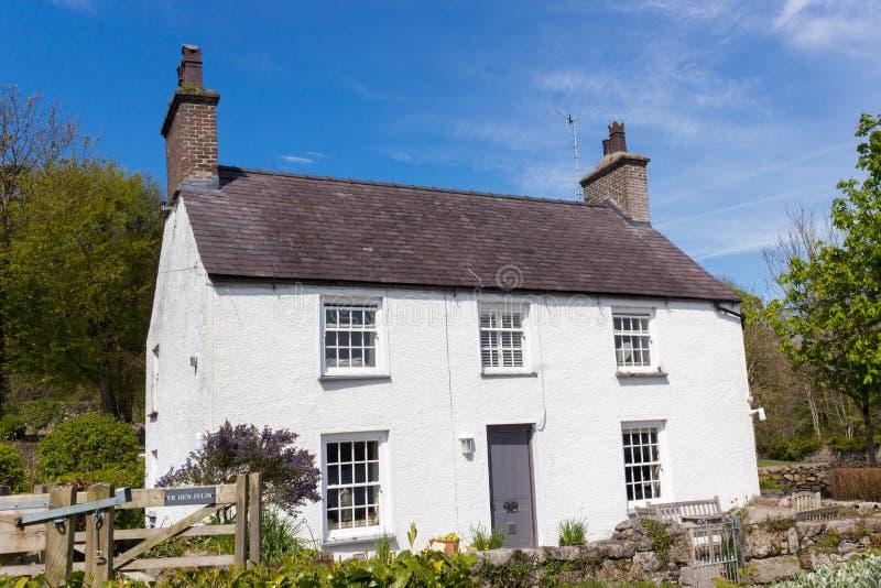 Tradycyjnego stylu dom w Anglesey, Walia, Odwi?zany kr?lestwo obraz royalty free