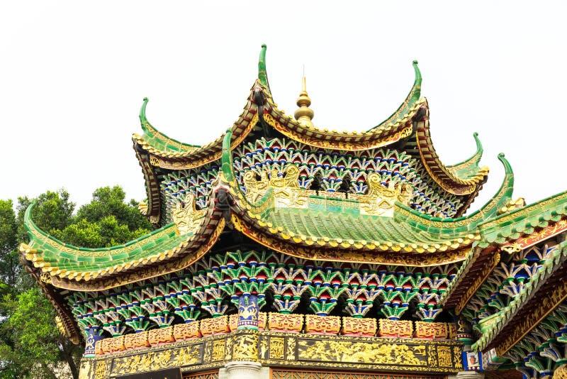 Tradycyjni Chińskie dach antyczny dom, wschodnio-azjatycki klasyczny dach w chińczyka ogródzie w Chiny obrazy royalty free